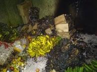आग लगने से दुकान में रखे 70 हजार के फल खराब