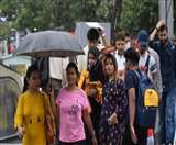 Weather update: दिल्ली-NCR में रातभर झमाझम बारिश, सुबह कई जगह पड़े ओले