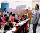 रिटायर्ड बैंक मैनेजर का कमाल, बिना रट्टा लगाए बच्चे बोलते हैं फर्राटेदार अंग्रेजी