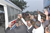 शाहीन बाग की तर्ज पर पक्का मोर्चा शुरू कर धरना दे रहे 15 लोगों को पुलिस ने उठाया