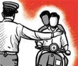 ई-चालान से बचने के लिए बाइक पर लगा ली फर्जी नंबर प्लेट, जानिए क्या है पूरा मामला Moradabad News