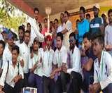 छत्तीसगढ़ के नक्सलगढ़ में दोस्ती का क्रिकेट मैच देखकर नम हुईं दर्शकों की आंखें