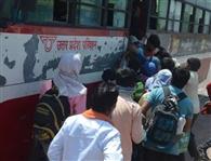 घर वापसी कराने को दिल्ली रूट पर दौड़ीं रोडवेज बस