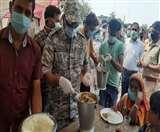 Positive India: थाने बने सामुदायिक रसोई घर, एसएसपी से लेकर थानेदार तक जरूरतमंदों को परोस रहे खाना