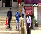Coronavirus: लॉकडाउन के बीच केरल में जरूरतमंदों को खाना उपलब्ध करा रहे पोस्ट ऑफिस के कर्मचारी