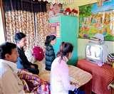 Uttarakhand Lockdown Day 4 : परिवार के साथ लोगों ने दूरदर्शन पर देखा रामायण और महाभारत