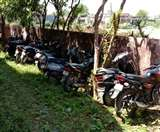 Curfew में ढील के दौरान वाहनों पर खरीदारी करने निकले 16 चालकों पर कार्रवाई, जब्त की गाड़ियां