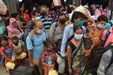 Shramik Special Train से मंडुआडीह पहुंचे यात्रियों पर दोहरी मार, भूख-प्यास के बाद गर्मी से हुए बेहाल
