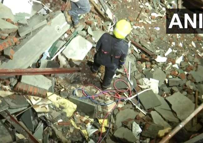 Mumbai Building Collapse: A four-storey building collapsed in Andheri injuring 5 people in the incident