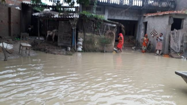 Rivers are in spate due to heavy rains, then flood threat - Bihar ...