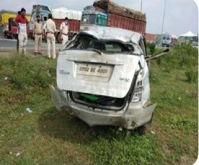 मध्य प्रदेश के गुना जिले में हुई कार दुर्घटना।