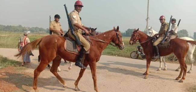 जिले में शातिपूर्ण तरीके से मतदान शुरू, बूथों पर लगी मतदाताओं की कतार