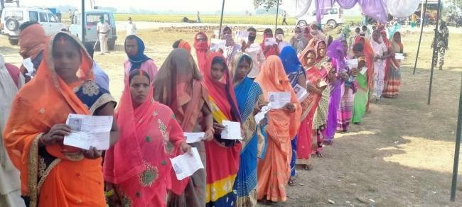 बक्सर में तीसरे घंटे में मतदान ने पकड़ा जोर, 21.70 फीसद मतदान