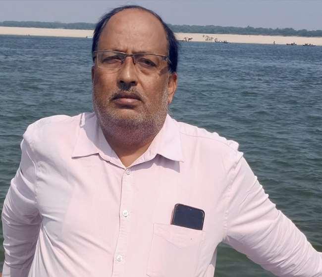 अजय सिंह इंडियन इंडस्ट्रीज एसोसिएशन (दिल्ली स्टेट चैप्टर) में उप-निदेशक हैं।