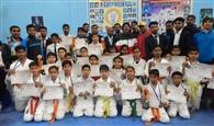 पांचवीं इंटर स्कूल कराटे प्रतियोगिता में सेंट जेवियर्स का दबदबा