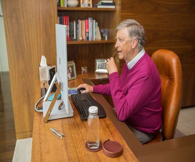 Bill Gates works from home during quarantine, 2020 (Picture Courtesy: Gates Notes)