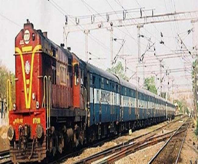पश्चिमी रेलवे ने भी 12 जोड़ी ट्रेनों के समय विस्तार की जानकारी दी है। (फाइल फोटो)