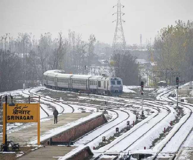 चीफ मैनेजर रेलवे साकिब ने कहा कि कश्मीर में रेल सेवा को शुरू करने के प्रबंध कर लिए गए हैं।