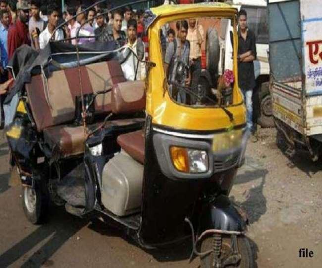 तेलंगाना के महबूबाबाद जिले में शुक्रवार को एक भयानक सड़क हादसा (फाइल फोटो)