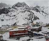 Uttarakhand Weather: फिर बदला मौसम का मिजाज, बर्फबारी और बारिश का दौर जारी; एक महिला गदेरे में बही