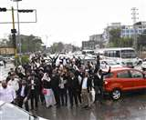 तेज बारिश में चलता रहा वकीलों का प्रदर्शन, कचहरी चौक में लगा जाम Ludhiana News