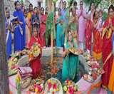 CoronaVirus Bihar: कोरोना पर भारी पड़ी आस्था, उदीयमान सूर्य को अर्घ्य के साथ चैती छठ संपन्न देखें Video