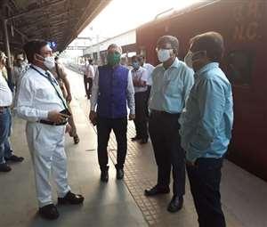 Lockdown के बाद कर्मचारियों की सुरक्षा के साथ पूरी तैयारी से ट्रेन संचालन में उतरेगा रेलवे