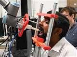 अब रोबोट करेगा कोरोना का टेस्ट, संक्रमण में आने से बचाए जा सकेंगे स्वास्थ्यकर्मी, जानें कैसे