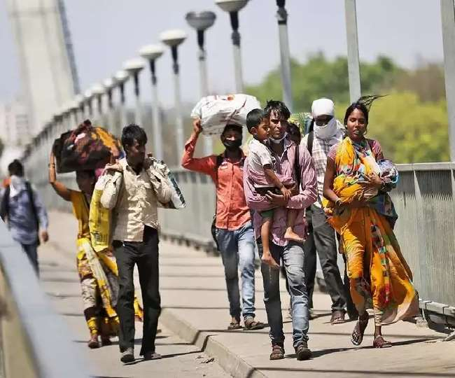 Migrant Labourers Crisis Confidence in lockdown breaks migrant ...