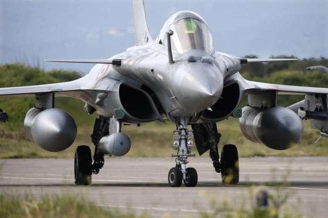 चीन से तनाव के बीच जल्द आ रहा है मिसाइल से लैस राफेल, भारतीय वायु सेना के बेड़े में होगा शामिल - दैनिक जागरण (Dainik Jagran)