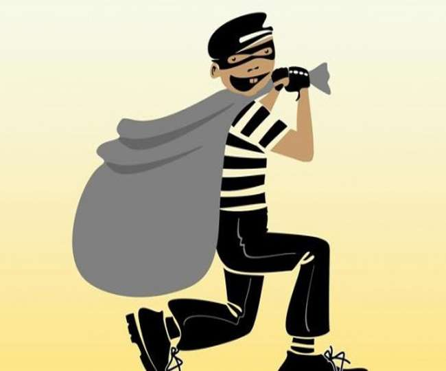 Three houses stolen thif during the rains in patna