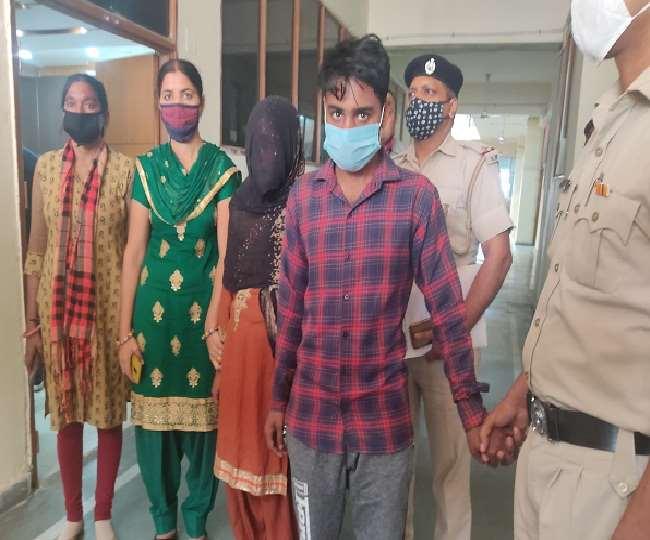 पुलिस की गिरफ्त आरोपित पत्नी और उसका प्रेमी।