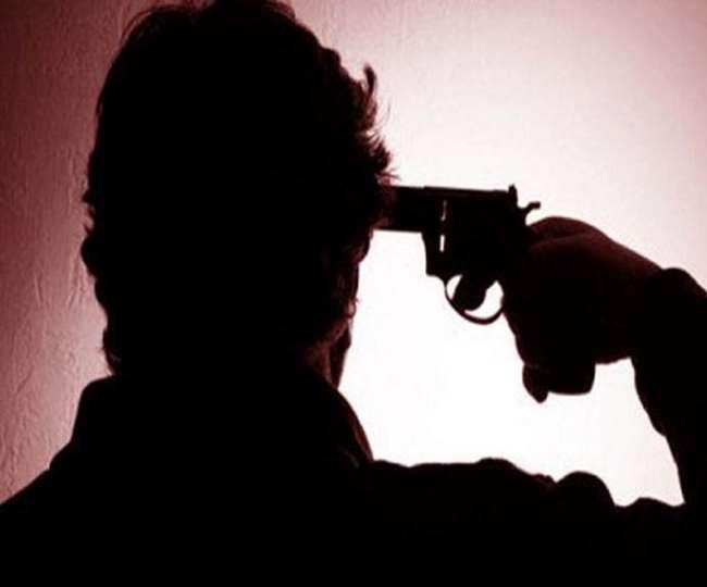 पति-पत्नी के बीच विवाद के बाद आत्महत्या का मामला।