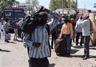 कोरोना पैकेज : फोटो 34::: लॉकडाउन तो डेढ़ हजार लोग पहुंचे अपने घर, प्रधान के जिम्मे निगरानी