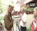 Positive India: दिल्ली में बुजुर्ग NRI के लिए मसीहा बनी पुलिस, घर पहुंचाया दवा व राशन