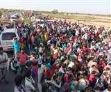 Agra Lockdown Update Day 6: सरहदों पर हजारों लोग बने Football, हंगामा और तनाव