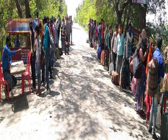 Bihar Lockdown: हरियाणा से पटना तक का ये पैदल सफर, रूह कंपा देगी इनकी बेबसी की दास्तान
