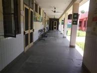 स्टाफ कोरोना ड्यूटी में, लोगों को नहीं मिल रही मेडिकल सुविधा