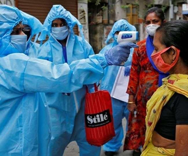 कोरोना महामारी की दूसरी लहर तेजी से कमजोर पड़ने लगी है।