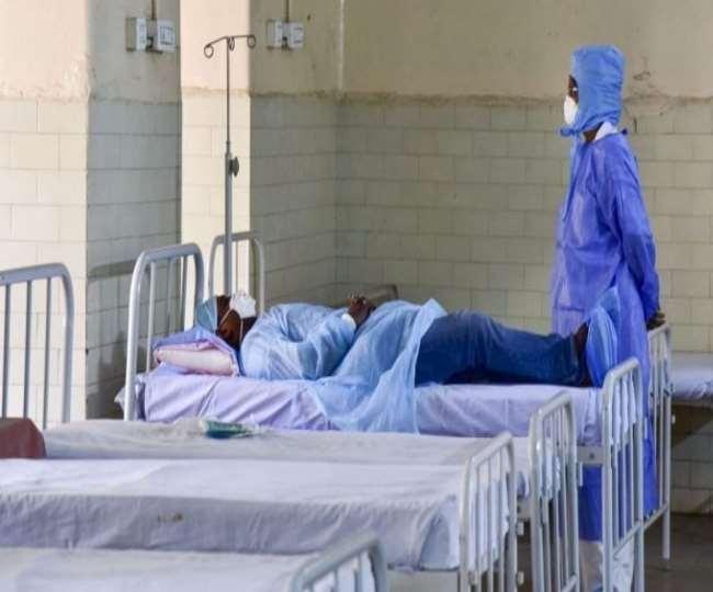 राजकीय मेडिकल कॉलेज अस्पताल में कोविड के मरीजों के लिए रखे गए 547 बिस्तरों में से 42% खाली हैं।