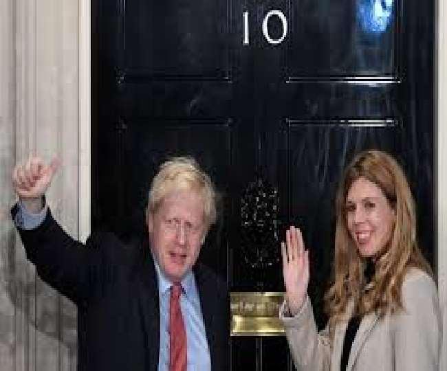 ब्रिटेन PM बोरिस जॉनसन ने गुपचुप 23 साल छोटी अपनी मंगेतर से रचाई शादी