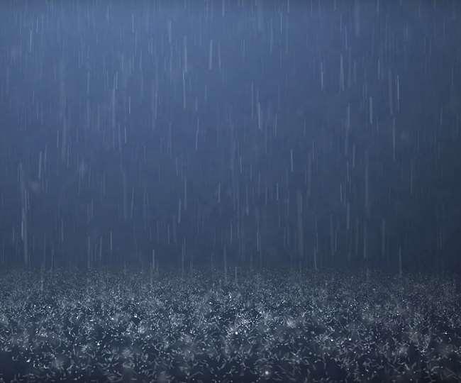 भारी बारिश से आठ घंटे बंद रहा थल-मुनस्यारी मार्ग, कोट्यूड़ा गांव में मकान की छत उड़ी