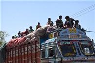 दिल्ली, यूपी समेत कई जगहों से आ रहे लोग, भेजे जा रहे घर