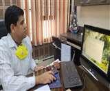 लॉकडाउन में कमिश्नर ने बदली दिनचर्या सोने से पहले चारों जिलों की करते हैं समीक्षा Aligarh news