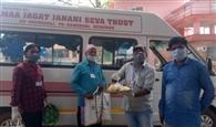 गरीबों की भूख मिटा रहे सामाजिक संगठन
