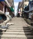 चम्पावत में लोगों ने उचित दूरी बनाकर खरीदा जरूरी सामान