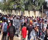 Coronavirus Lockdown : वतन लौट रहे नागरिकों पर नेपाली पुलिस ने किया लाठीचार्ज, नो मेंस लैंड पर धरना शुरू Gorakhpur News