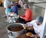 Uttarakhand Lockdown: लॉक डाउन के दौरान जरूरतमंदों को उपलब्ध कराया गया राशन