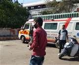 यूपी के कई जिलों में एंबुलेंस कर्मियों ने किया कार्य बहिष्कार, हजारों मरीज हलकान