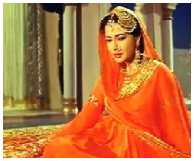 Tragedy Queen Bollywood Actress Meena Kumari Death Anniversary